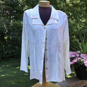 🎈 Fashion Bug ivory color blouse